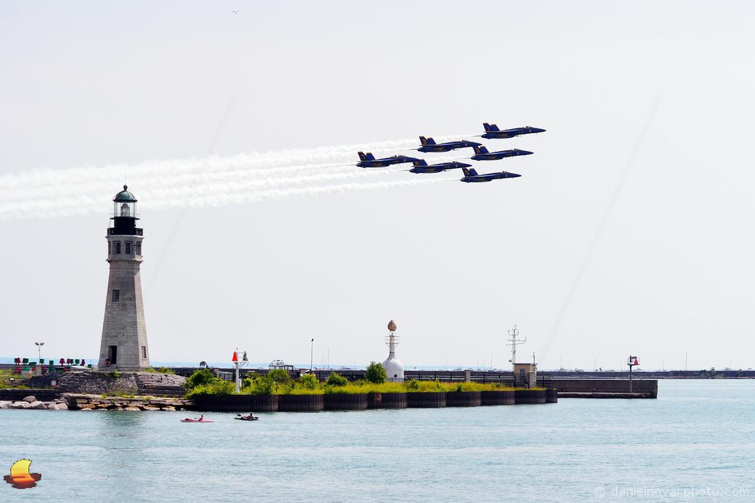 Blue Angels 6x - F-18 Super Hornet - Over Buffalo Main Light