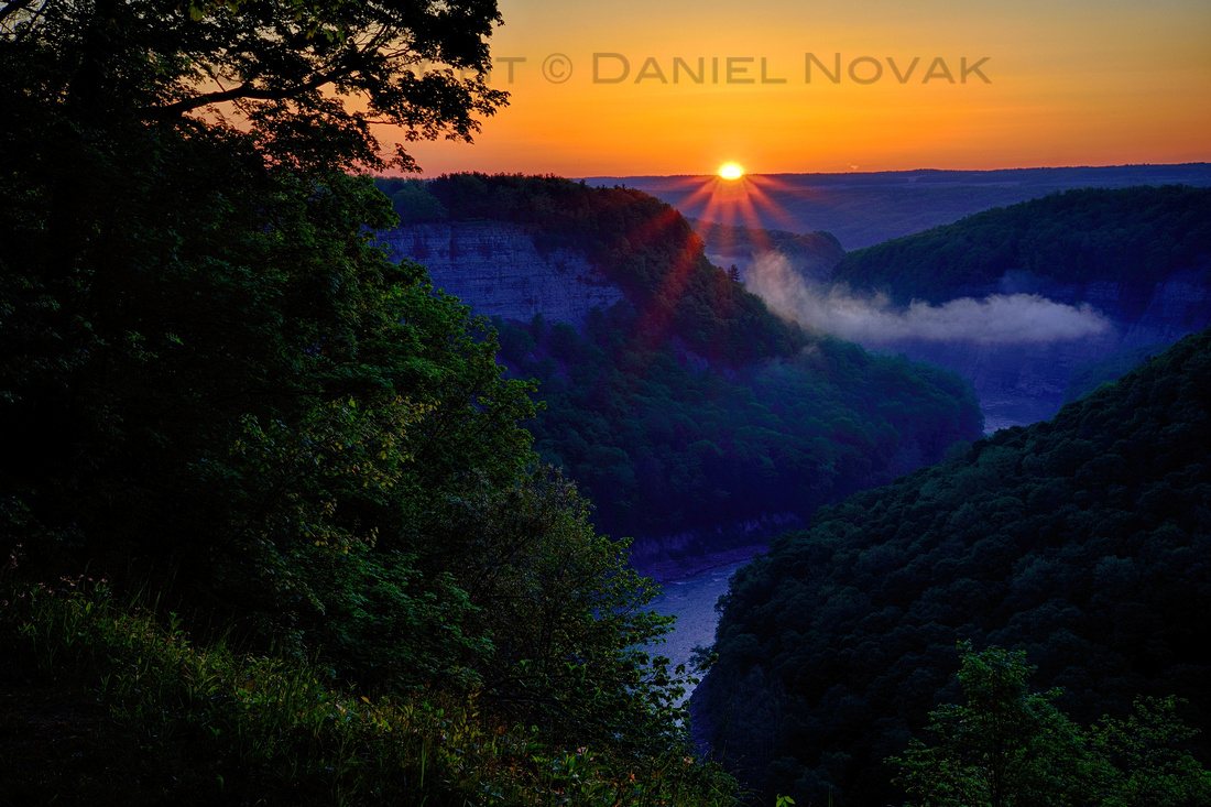 Genesee River Great Bend at Sunrise, Letchworth State Park, New York State (NY).