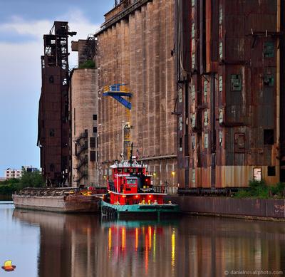 Paul L Luedtke at Dawn, docked by Rail and Lake Grain Elevator on Buffalo River, Buffalo, New York (NY).
